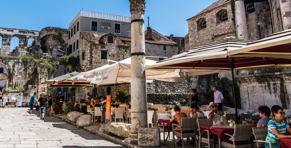 Restoran-Split-Horvaatia-Sook-Jook-Restaurants-Croatia-Food-and-Drinks-Nordica-FlyNordica-2000x600.jpg
